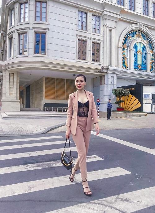 Thanh Vân sở hữu một sắc đẹp đầy quyến rũ và tự tin