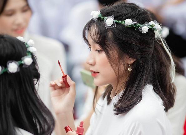 Hotgirl Nguyễn Nhật Quyên - Cô bé nhỏ nhưng mang hoài bão lớn
