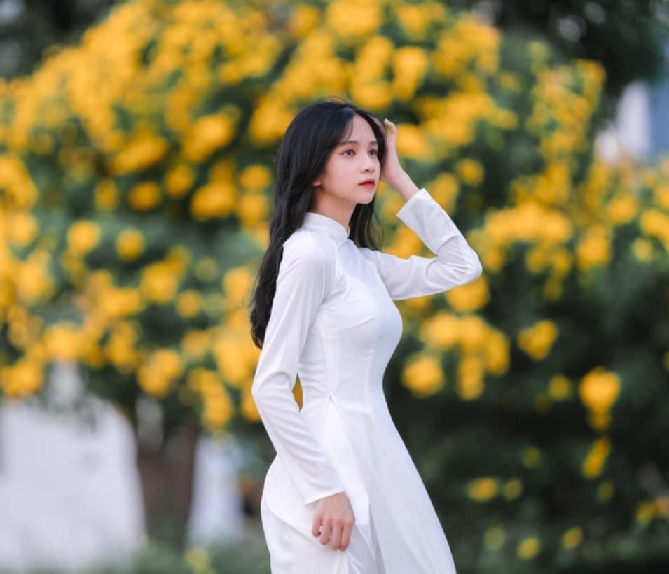 Hoàng Phương Uyên – Nàng thơ của làng Tiktok