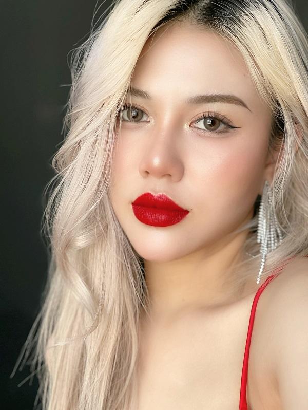 Phong cách makeup khiến nhiều bạn trẻ ngưỡng mộ.