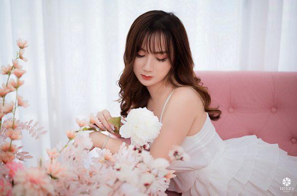 Hot girl Kim Thảo – Nàng 9x xinh đẹp và dịu dàng